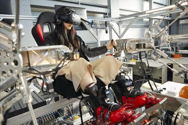 「人型重機」開発・社会実装の「人機一体」が「人機プラットフォーム」知的財産サブスクを発表